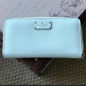 NWOT 💯 Authentic Kate Spade Zipper Wallet